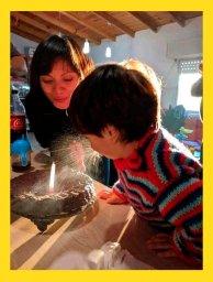 Шаблон мема про мальчика, который залил торт слюнями